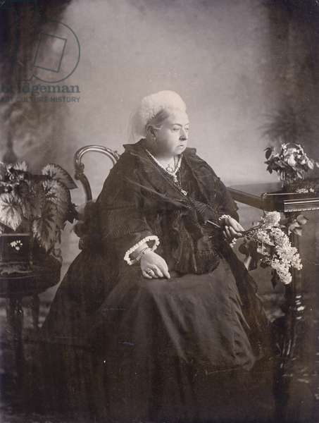 Last photograph taken of Queen Victoria at Balmoral (b/w photo)