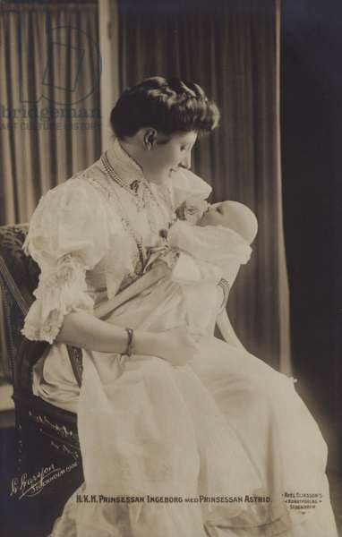 Princess Ingeborg of Denmark, wife of Prince Carl of Sweden with their baby daughter, Princess Astrid (b/w photo)