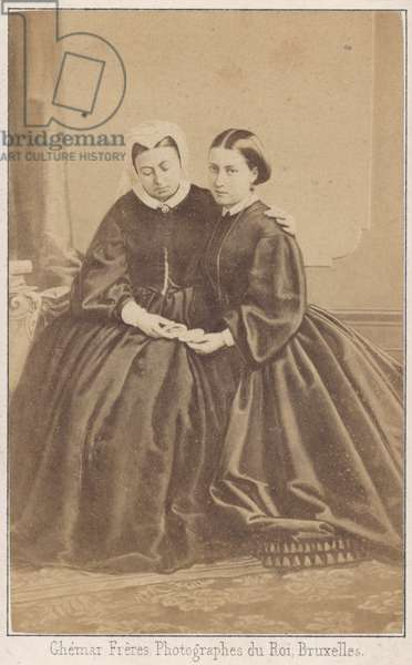 Queen Victoria and her daughter (b/w photo)