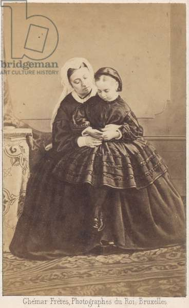 Queen Victoria and her granddaughter (b/w photo)
