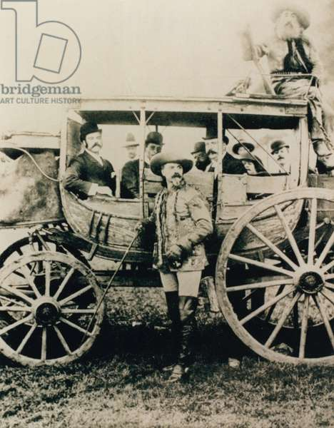 The Deadwood stagecoach in London - Buffalo Bill standing, John Nelson in the box (photo)