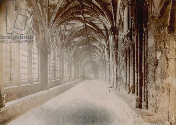 Interior of the cloisters at Westminster Abbey (photo)