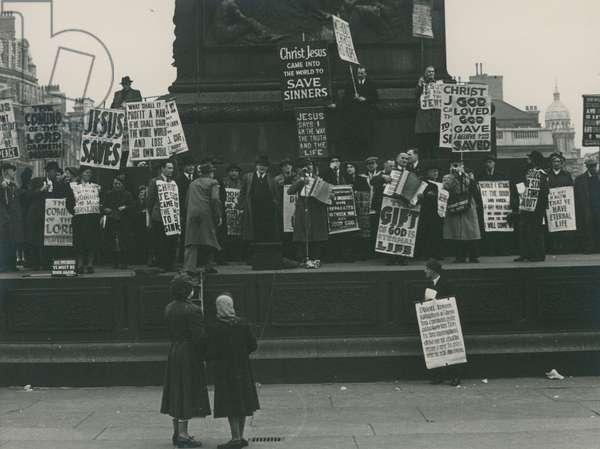 Christian demonstration in Trafalgar Square (photo)