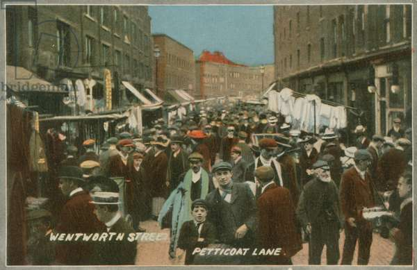 Wentworth Street, Petticoat Lane, London (photo)