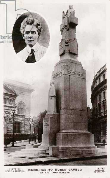 The memorial to nurse Edith Cavell in St Martin's Place (b/w photo)