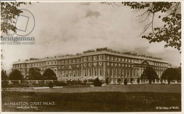 Hampton Court Palace, South and East fronts (photo)