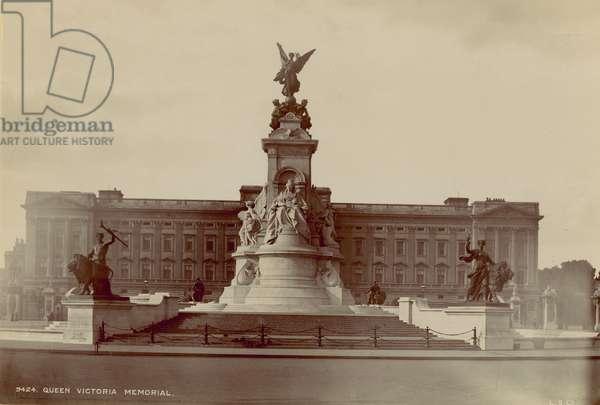 Queen Victoria Memorial (photo)