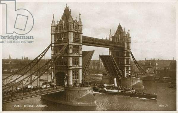 Tower Bridge, London (photo)
