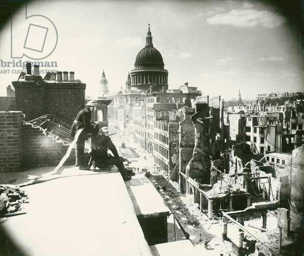 Blitz, London, WW2 (b/w photo)