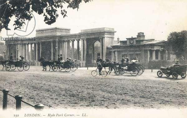 Hyde Park Corner (b/w photo)