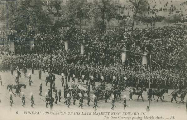 Funeral Procession of his Late Majesty King Edward VII passing Marble Arch (photo)
