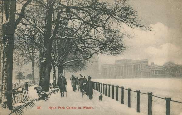 Hyde Park Corner in Winter, London (photo)