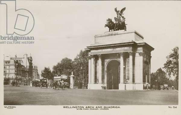 Wellington Arch and Quadriga, Hyde Park Corner (photo)