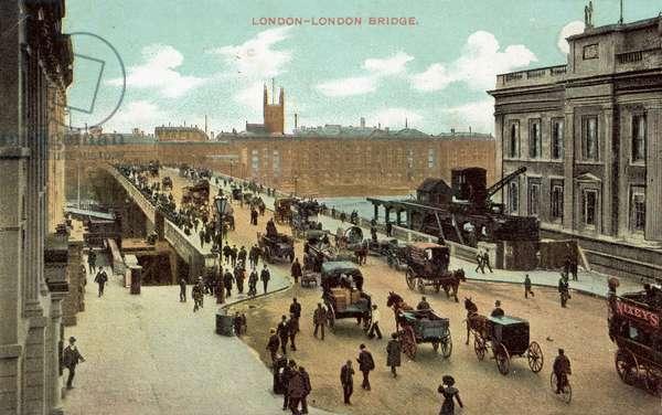London, London Bridge (colour photo)