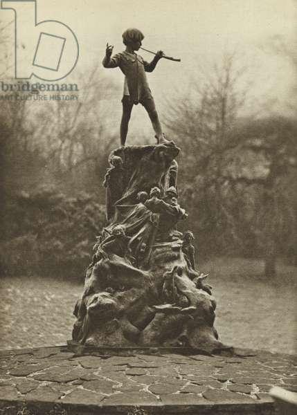 Peter Pan, Kensington Gardens (b/w photo)