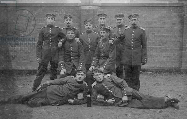 Group of German soldiers (b/w photo)