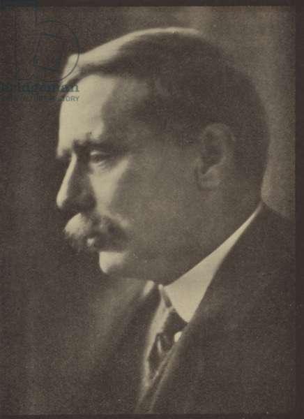 Herbert George Wells (b/w photo)