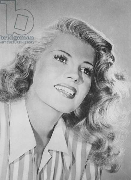 Portraits of film stars: Rita Hayworth (b/w photo)