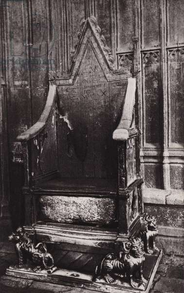 London: Coronation Chair, Westminster Abbey (b/w photo)