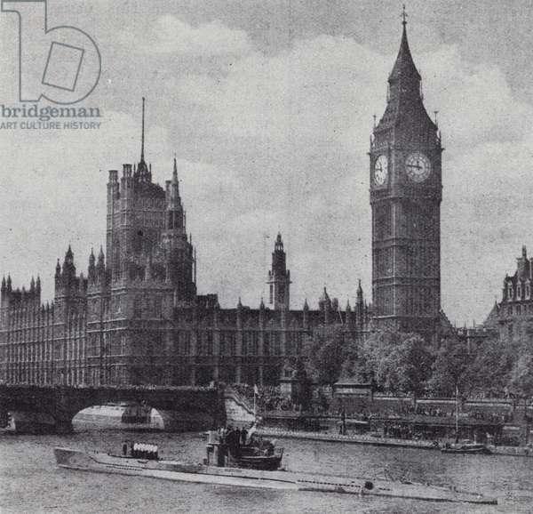 Surrendered German submarine U-776 sailing up the River Thames, London, 22 May 1945 (b/w photo)