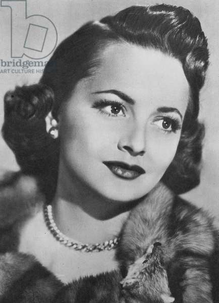 Portraits of film stars: Olivia De Havilland (b/w photo)