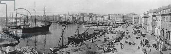 Marseille - Le Vieux Port et le Quai de la Fraternite (b/w photo)