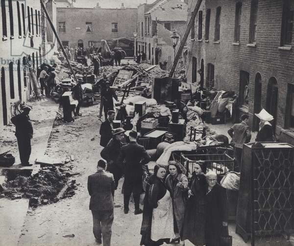 Londoners made homeless by the Blitz, World War II, 1940-1941 (b/w photo)