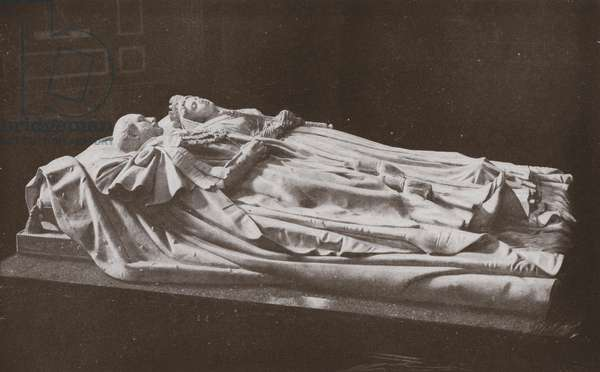 Recumbent Figures of Queen Victoria and the Prince Consort in Frogmore Mausoleum (b/w photo)