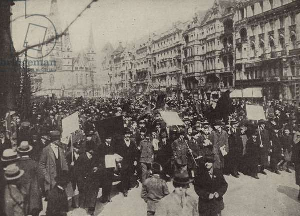 Demonstrations in Berlin against the Treaty of Versailles, 1919 (b/w photo)