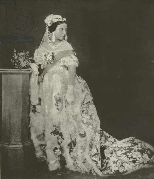 Queen Victoria, early photograph, mid 1850s (b/w photo)