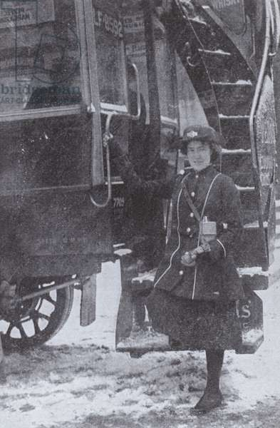British woman working as a bus conductor, World War I, 1916 (b/w photo)