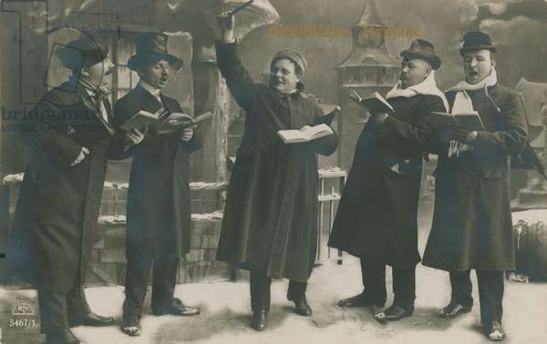 Postcard of Germans singing in the New Year, sent  on 31st December 1913 (b/w photo)