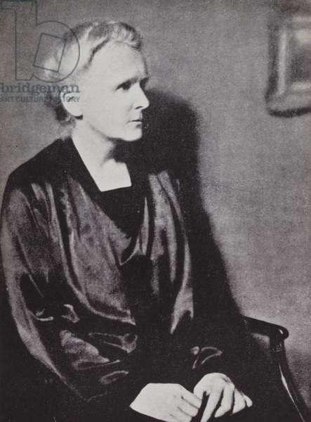 Marie Curie (b/w photo)