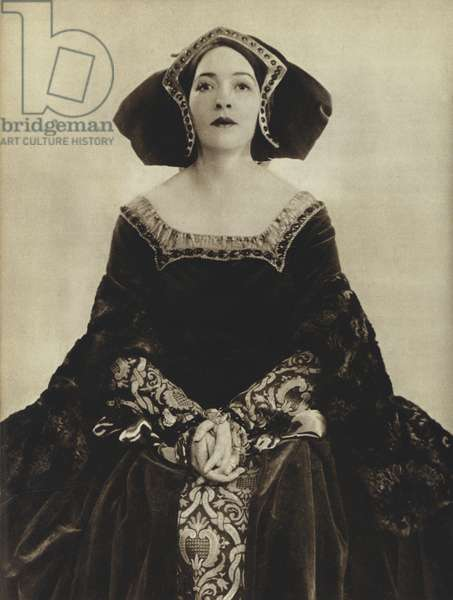 Laura Cowie as Catherine Parr in The Queen who kept Her Head, Winifred Carter (b/w photo)