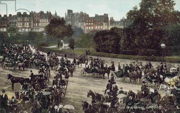 Horse-drawn carriages at Hyde Park Corner, London (colour photo)