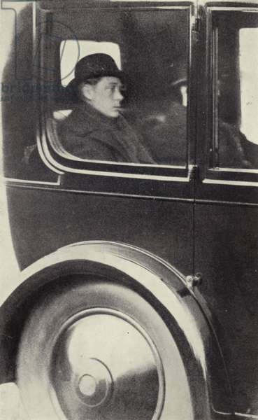 King Edward VIII leaving Sandringham after his father's death (b/w photo)