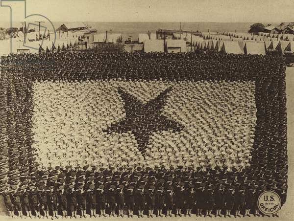 America in World War I: Human Service Flag comprising 2,000 sailors at the US Naval Training Station, San Francisco (b/w photo)