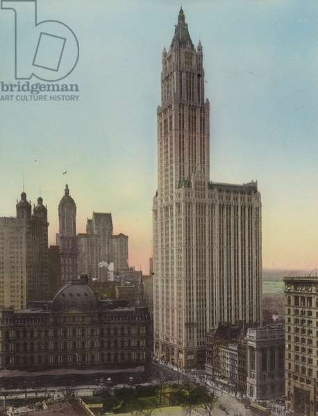 New York: Post Office; Woolworth Building (photo)