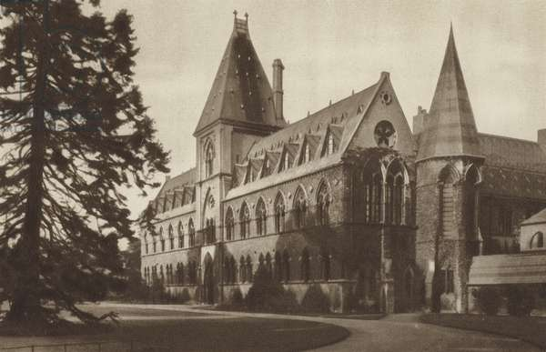 The University Museum (b/w photo)