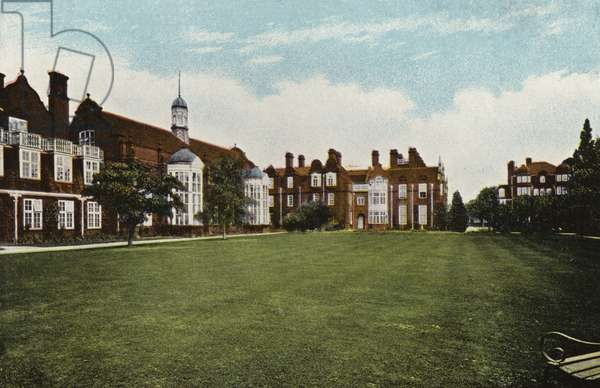 "Newnham College, the Three ""Halls"" (photo)"