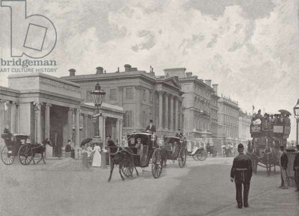 Hyde Park Corner and Apsley House (b/w photo)