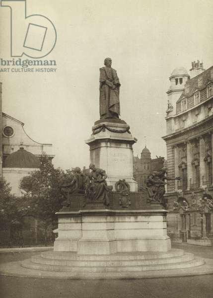 Gladstone Memorial, Strand (b/w photo)