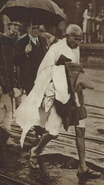 Mahatma Gandhi in London to attend the Second Round Table Conference to discuss constitutional reforms in India, 1931 (b/w photo)