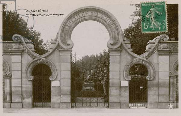 Asnieres, the dog cemetry.  Postcard sent in 1913.