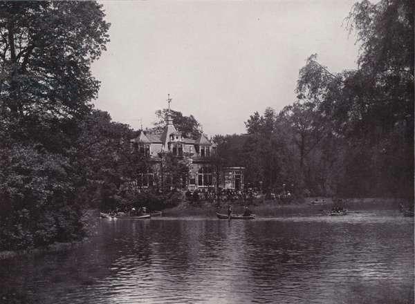 Grosser Garten, Karola-See und Restaurant (b/w photo)