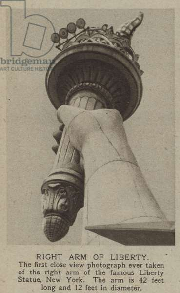 Right arm of Liberty (b/w photo)