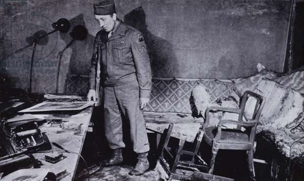 Room in Hitler's bunker beneath the garden of the Reich Chancellery in Berlin, where the Nazi leader and his wife Eva Braun probably committed suicide, World War II, 1945 (b/w photo)