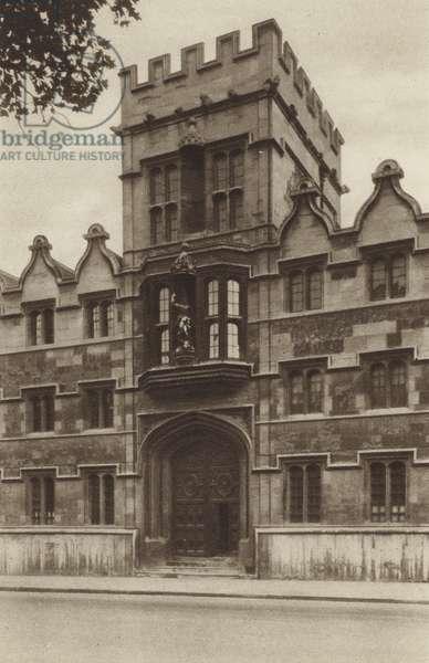 University College (b/w photo)