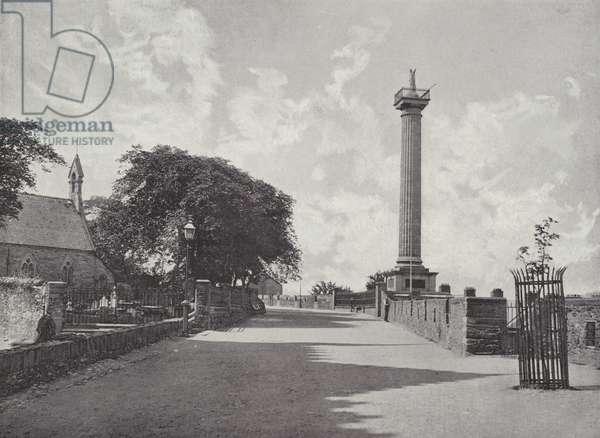 Walker Monument, Londonderry (b/w photo)