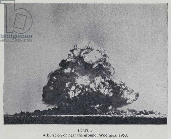 British atom bomb test, Woomera, Australia, 1953 (b/w photo)